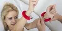 Juegos de rol y juguetes sexuales son algunas de las cosas que las mujeres elegimos para concretar nuestras fantasías. Ph. Shutterstock