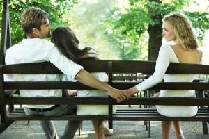 Los pijos o snobs suelen ser muy conservadores en algunas costumbres, pero parecería que son bastante liberales cuando de infidelidad se trata. Ph, Shutterstock