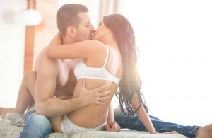 Cuando la mujer está en control de los movimientos puede alcanzar mayor placer. Ph. Shutterstock